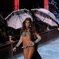 2011(Victoria's Secret) Izabel Goulart 