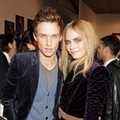 Eddie Redmayne and Cara Delevingne出席Burberry Prorsum2012秋冬倫敦大秀