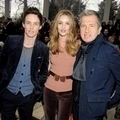 Eddie Redmayne, Rosie Huntington-Whiteley and Mario Testino出席Burberry Prorsum2012秋冬倫敦大秀